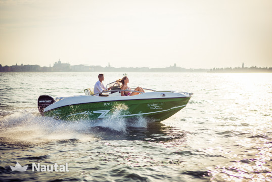 License free boat rent Custom RS17 in Sirmione, Lake of Garda
