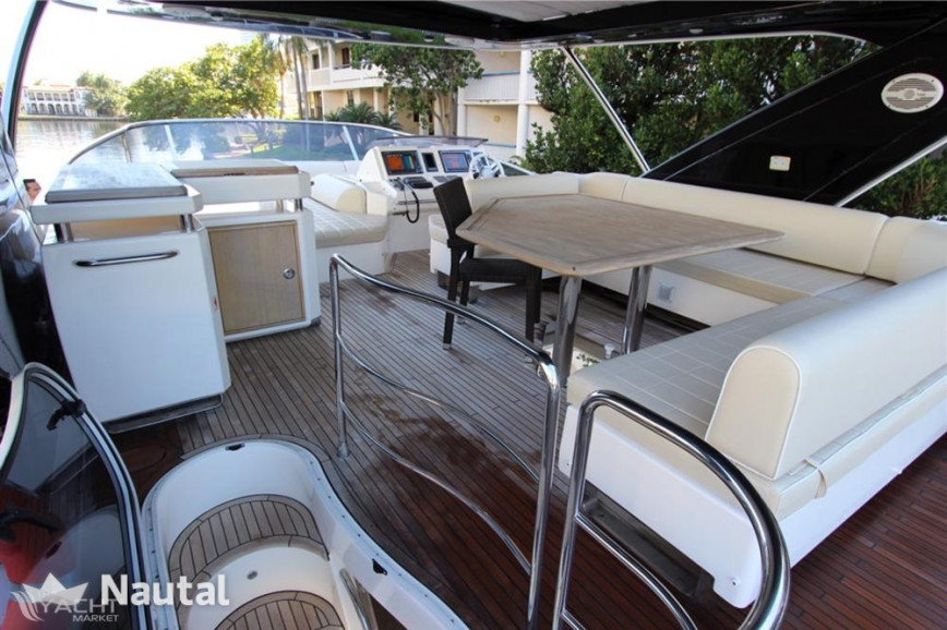 Yacht rent Azimut Yachts Flybridge in Miami Beach, South Florida