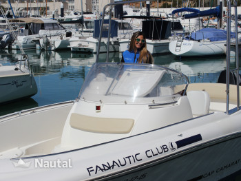 Experience an unforgettable holiday with your motorboat in Cádiz