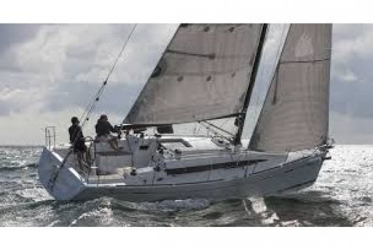 Sailing boat rent Beneteau Oceanis 41.1 in Port du Marin, Martinique