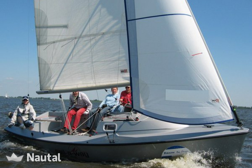 Sailing boat rent Tirion 21 in Huizen, North Holland