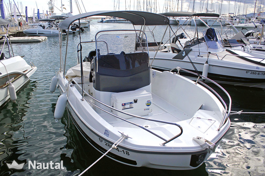 Motorboat rent Beneteau Flyer 5.5 SpaceDeck in L'Estartit, Girona