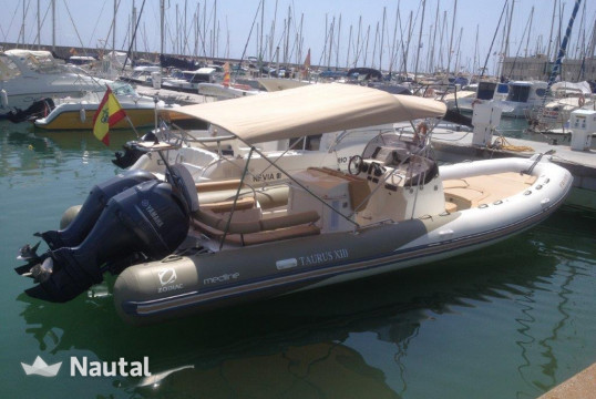 Louer semi-rigide Zodiac Medline 850, Port Ginesta, Barcelone