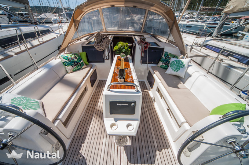 Sailing boat rent Dufour Yachts  410 Grand Large in Marina Kremik, Sibenik