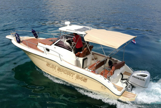 Motorboat rent Custom Sun Sport 845 in Port Trogir, Split, Hvar