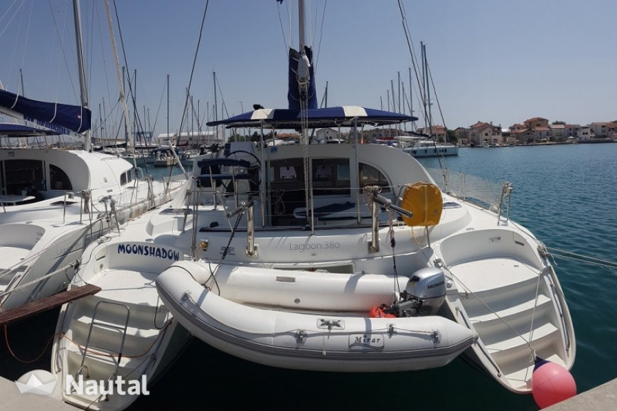 Catamaran rent Lagoon  380 in Marina Betina, Murter