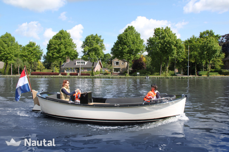 License free boat rent Isloep 585 in Uithoorn, North Holland