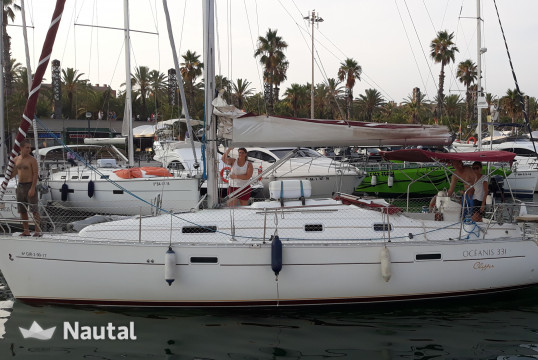 Huur zeilboot Beneteau Oceanis Clipper 331 in Port Olímpic, Barcelona