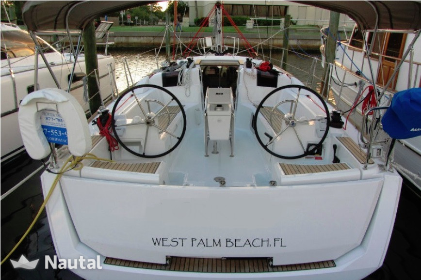 Huur zeilboot Jeanneau Sun Odyssey 389 2/1 plus Double in salon in Key West Harbour, Florida Keys