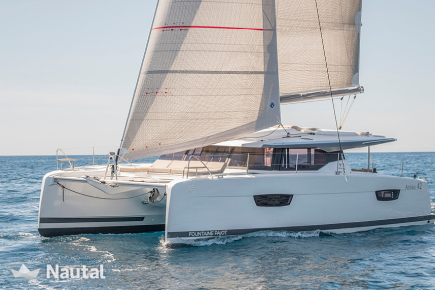 Katamaran Chartern Fountaine Pajot Astrea 42 With Watermaker Im Port