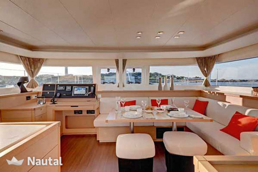 Huur catamaran Lagoon  450  Flybridge in Msida Creek Marina, Valetta