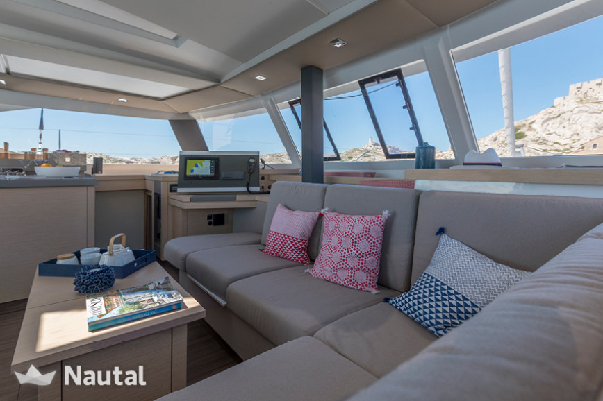Huur catamaran Fountaine Pajot Astrea 42 with watermaker & A/C - PLUS in Harbour View Marina Marsh Harbour, Bahamas