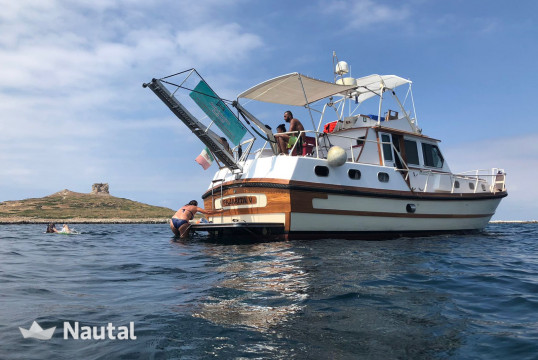 Yacht rent Cantieri Lavagna Motomar 43/S in Yacht Club Del Mediterraneo, Sicily