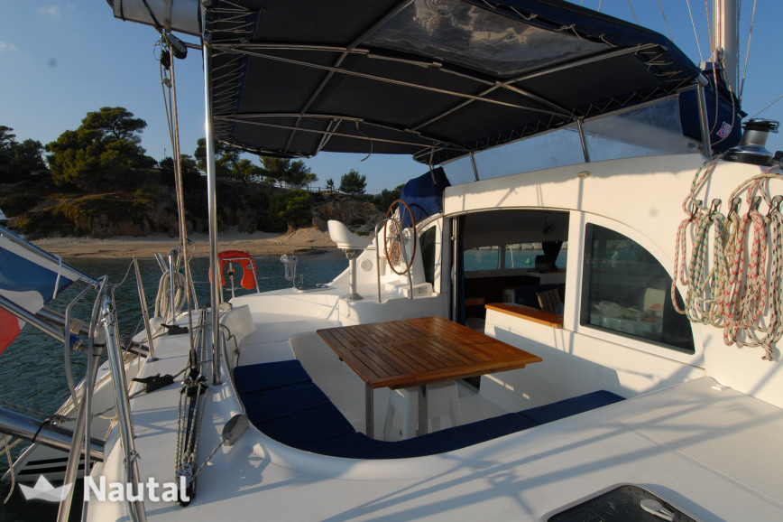 Catamaran rent Lagoon 380 in Port Saint-Aygulf, Var - Fréjus
