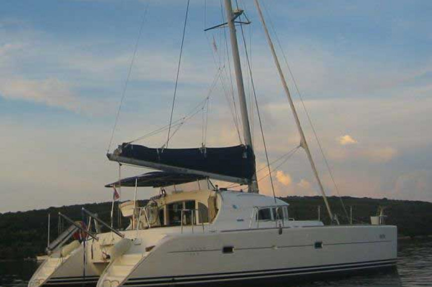 Catamaran rent Lagoon  380 (4Cab) in Marina of Lefkas, Lefkas