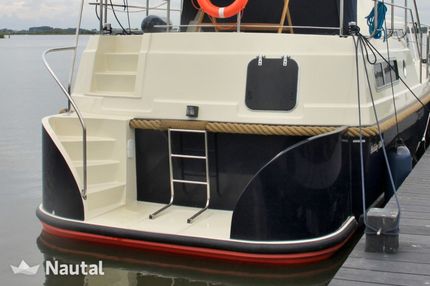 License free boat rent Holiday 1000 in Harderwijk, Flevoland