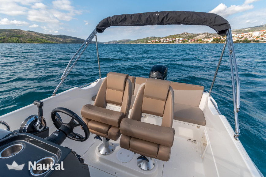 Motorboot chartern Quicksilver Quicksilver 675 Open im Port Trogir, Split und Hvar
