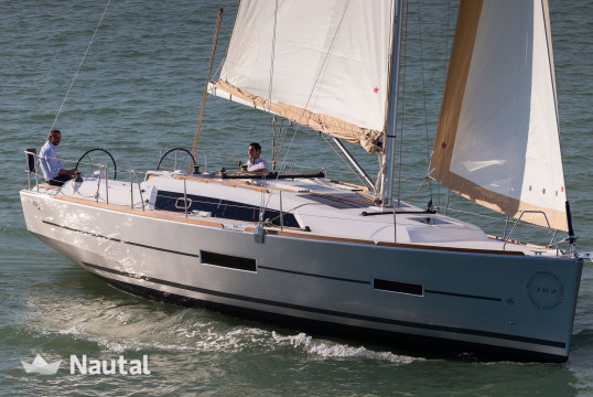 Sailing boat rent Dufour  382 in Port du Crouesty, Morbihan - Crouesty
