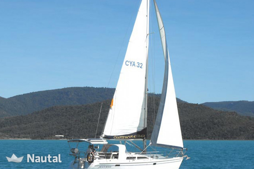 Sailing boat rent Catalina Yachts 32 in Abell Point Marina, Whitsundays