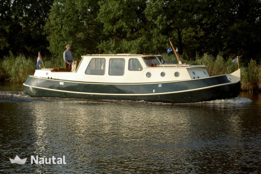 License free boat rent Hausboot Motor Tjalk in Drachten, Friesland