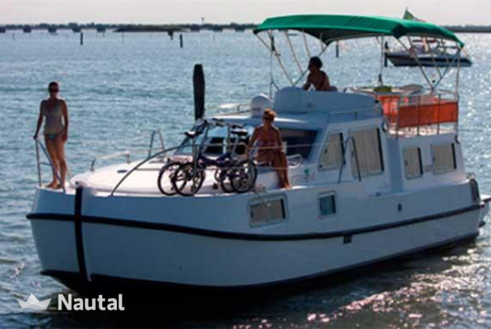 Houseboat rent 0 Tip Top in Porto Chioggia, Veneto
