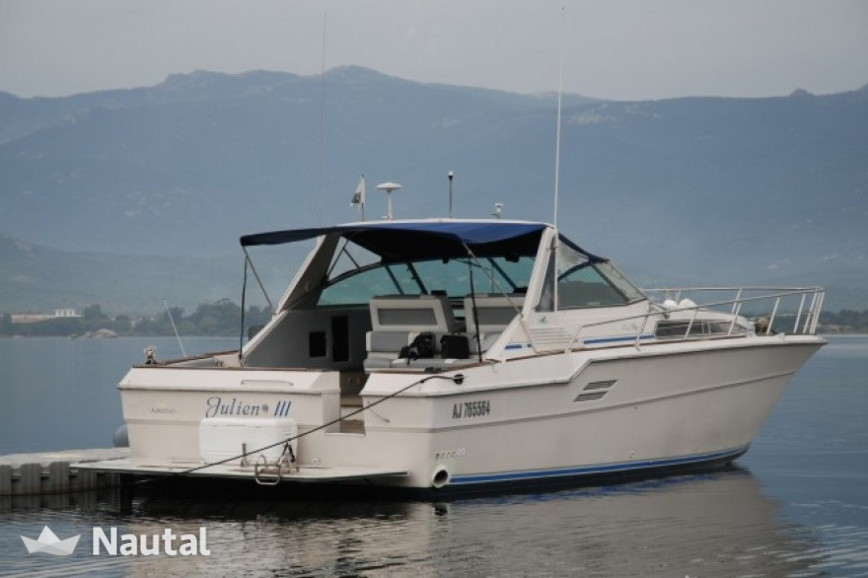 Lunch in the Cerbicales Islands on this Sea Ray 46!  f222ce66598e0