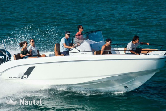 Motorboat rent Beneteau 8.0 Spacedeck in Portocolom, Mallorca