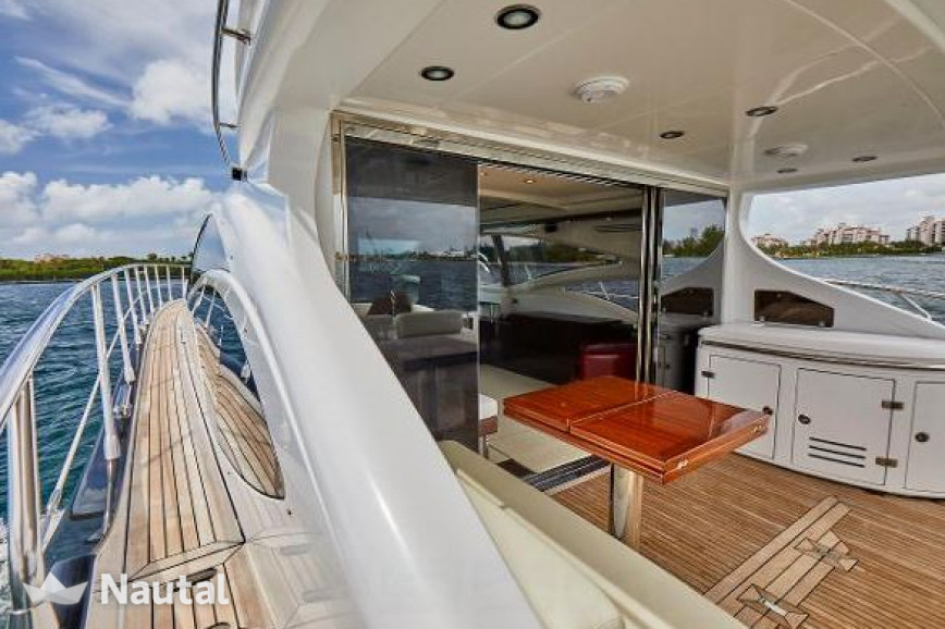 Yacht rent Azimut 68 s in Miami Beach, South Florida