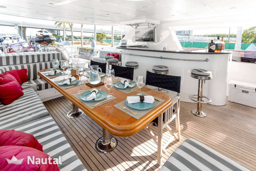 Yacht rent Johnson Flybridge in Downtown Miami, South Florida
