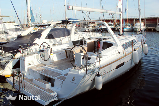 Sailing boat rent Beneteau Oceanis 45 in Port Olímpic, Barcelona