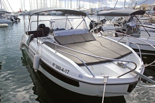 Прокат катеров Beneteau Flyer 7.7 SUNdeck, Port Olímpic, Барселона