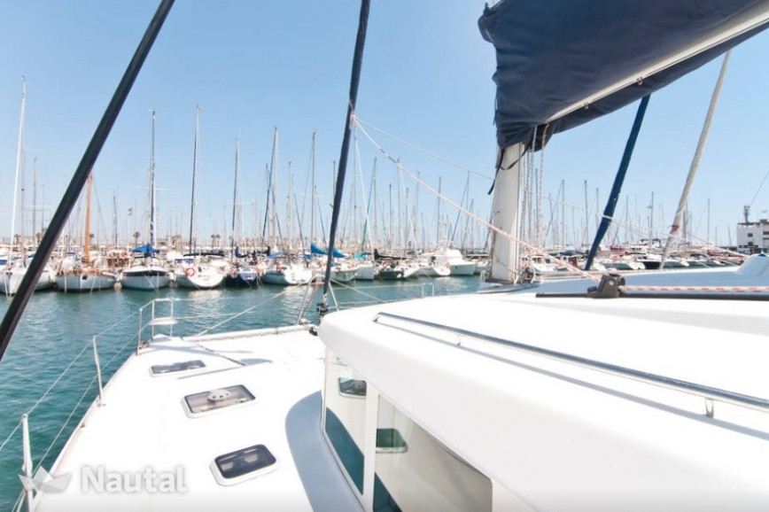 Catamaran rent Lagoon  440 (4Cab) in Port Olímpic, Barcelona