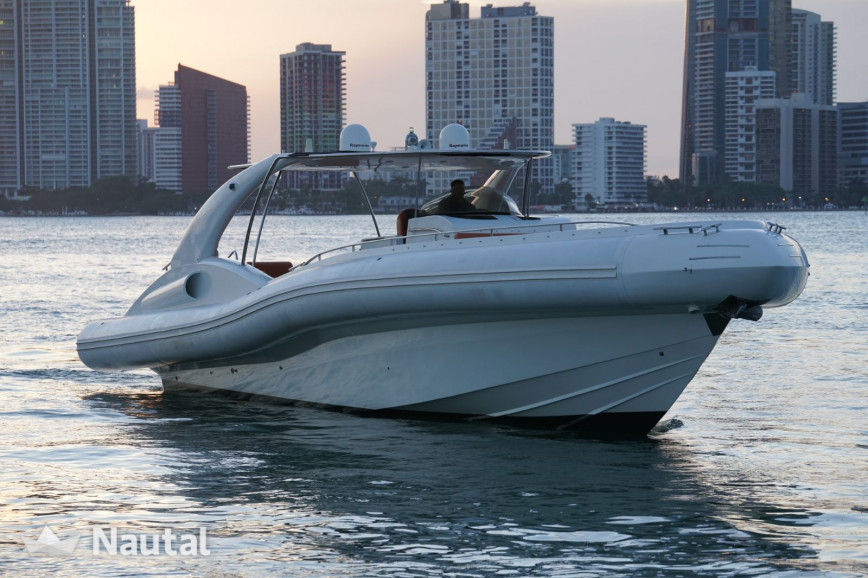 Motorboat rent Opera Sport Yacht in Miami Beach, South Florida
