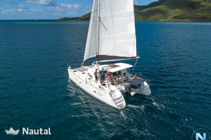 Huur catamaran Lagoon  380 S2 in Port du Marin, Martinique