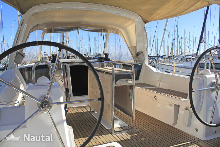 Sailing boat rent Beneteau Oceanis 41.1 in Port Olímpic, Barcelona