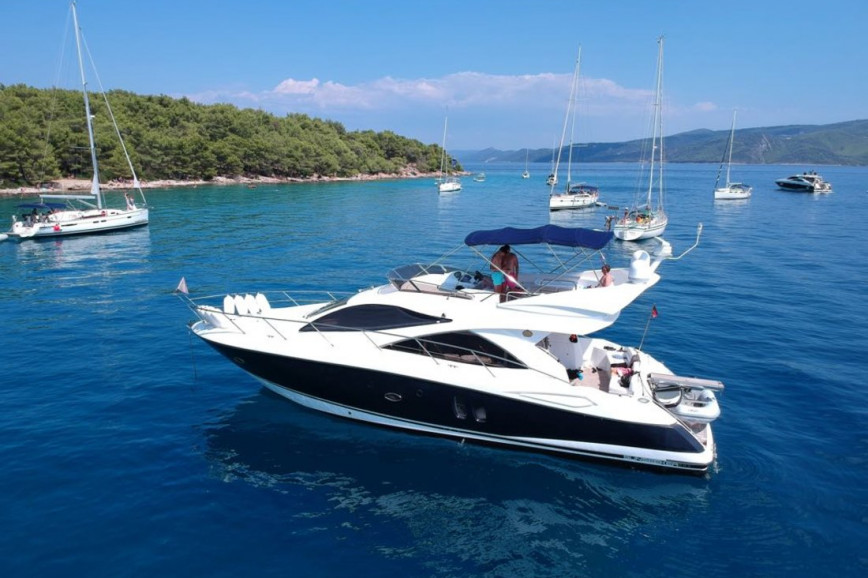 Huur motorboot Sunseeker International Sunseeker Manhattan 50 - 3 cab. in Marina Lav, Split en Hvar