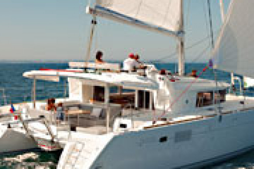 Catamaran rent Lagoon  450 F in Zeas Port, Athens