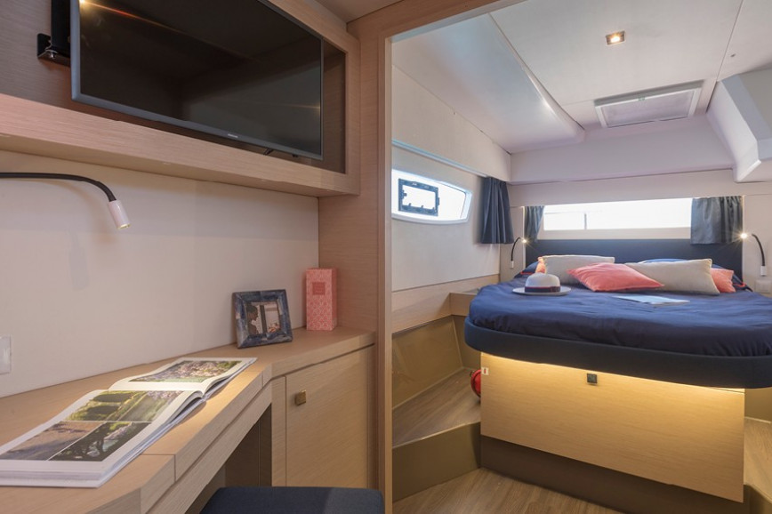 Catamaran rent Fountaine Pajot Astrea 42 in Annapolis, Maryland