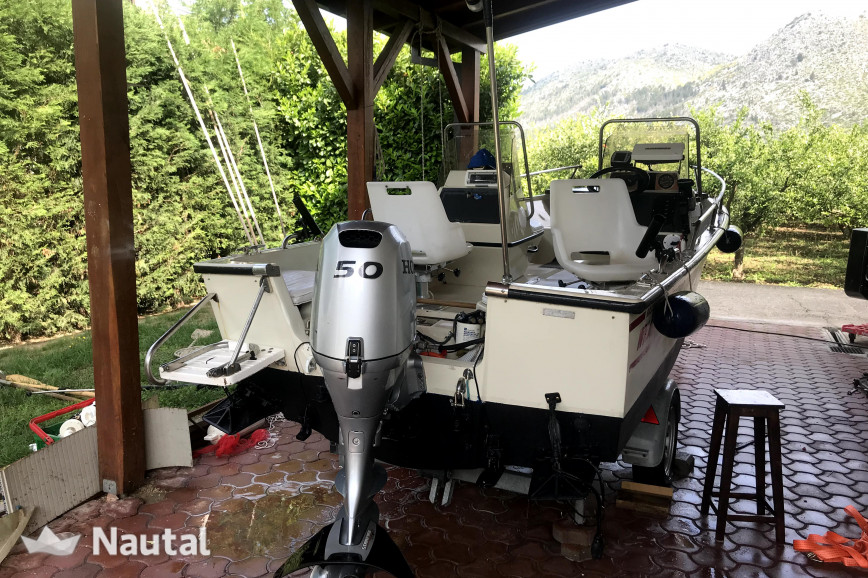 Huur motorboot Boston Whaler 16 Sl in blace, Dalmatië