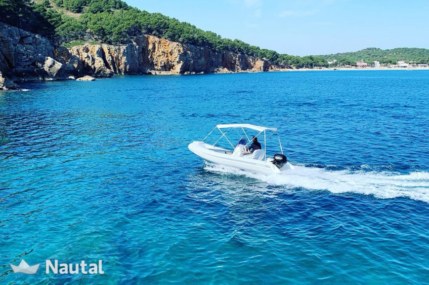 License free boat rent Grandboat 470 in L'Estartit, Girona