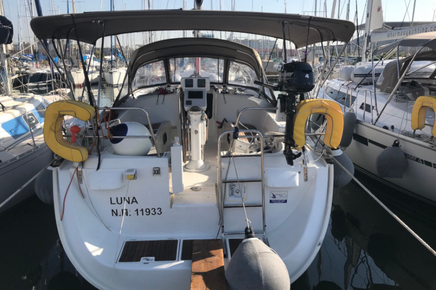 Sailing boat rent Beneteau Oceanis 423 in Lavrio Port, Athens