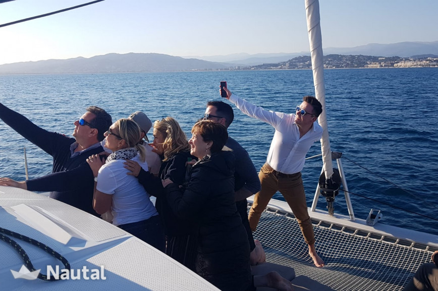 Huur catamaran Fontaine Pajot ENJOY MADIBA in Port de Cannes, Alpes Maritimes - Cannes
