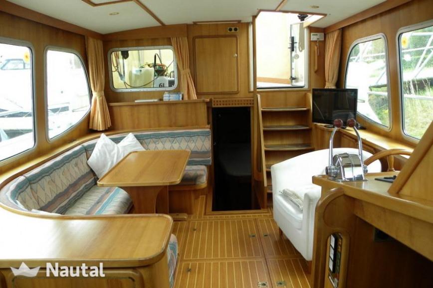 Houseboat rent Linssen Yachts Dutch Sturdy 380AC in Drimmelen, North Brabant