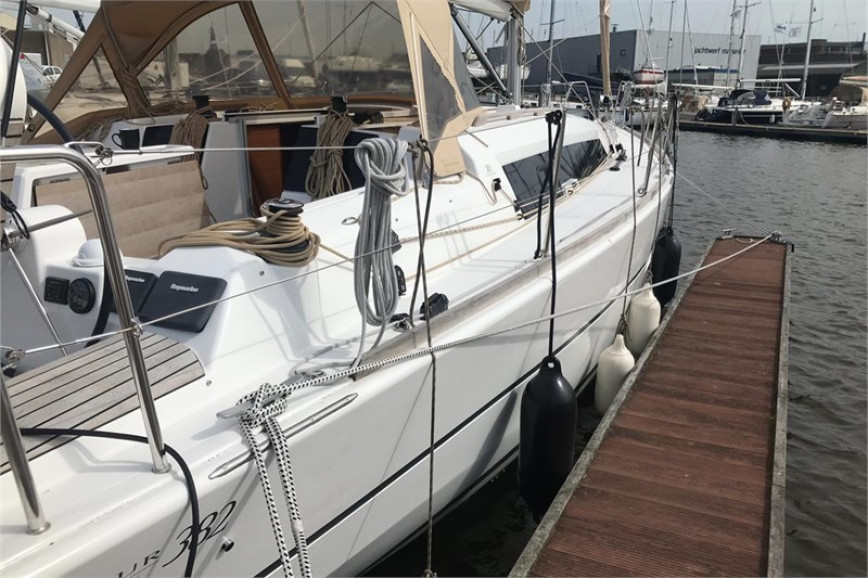 Huur zeilboot Dufour  382 Grand Large (3Cab) in Lemmer, Friesland