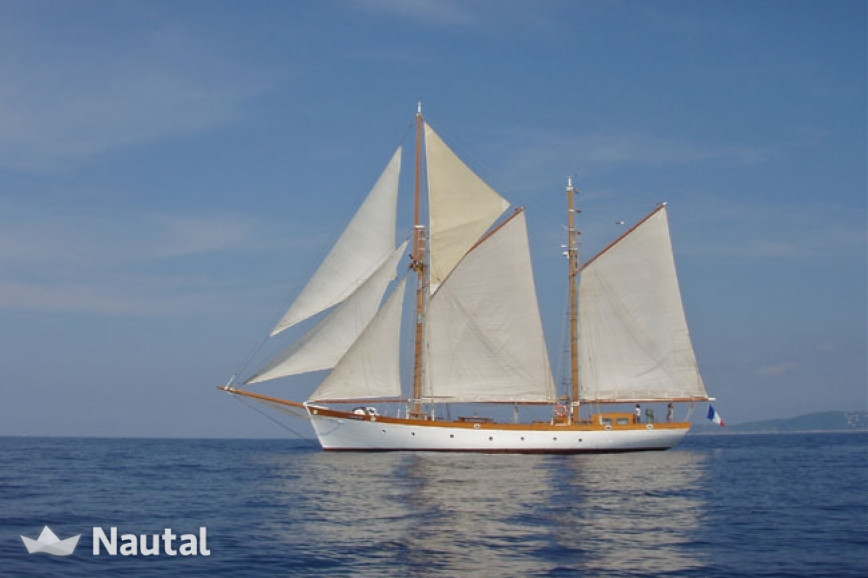 Unique Auric Ketch 1940 to rent for an exceptional day