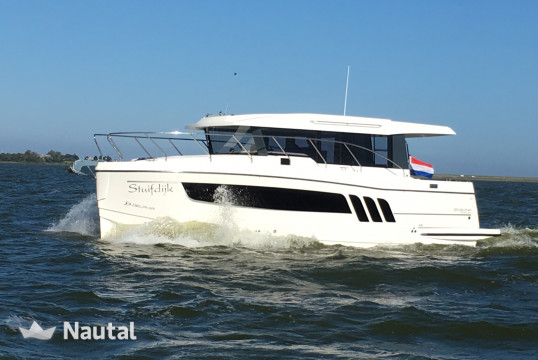 Motorboat rent Delphia Yachts Escape 1150 in Makkum, Friesland
