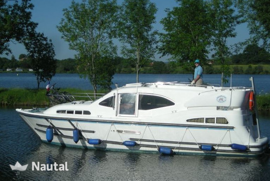 Houseboat rent Haines 10,40M in Baye - Bazolles, Nièvre