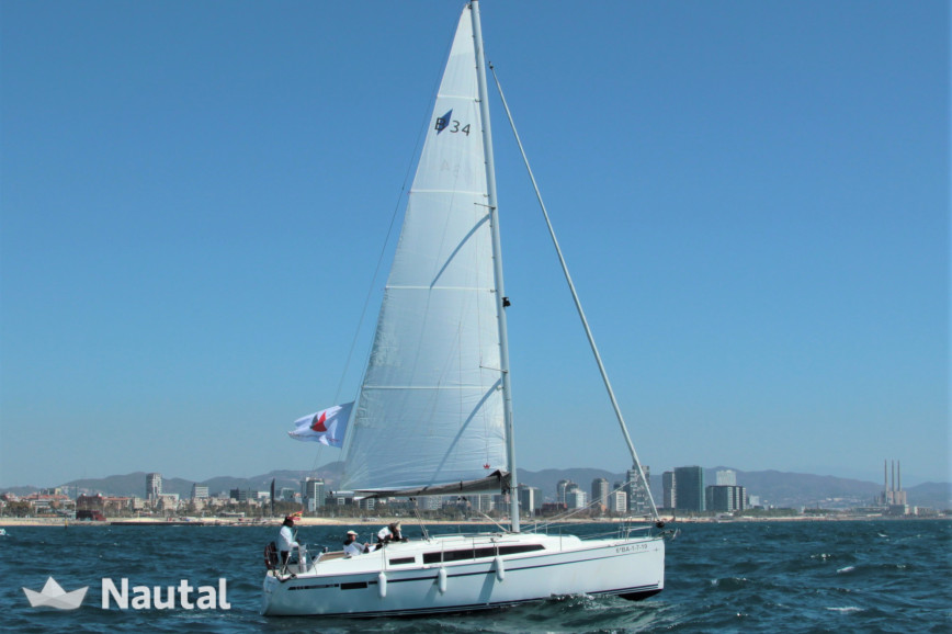 Huur zeilboot Bavaria 34 Cruiser in Port Olímpic, Barcelona