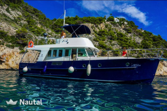Yacht rent Beneteau Swift Trawler 42 in Dénia, Alicante