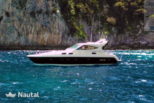 Yacht rent Gianetti 50 HT in Porto di Sorrento, Campania